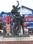 rosenblatt_stadium_statue